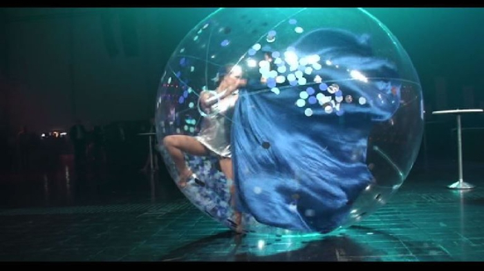 Dancers in spheres